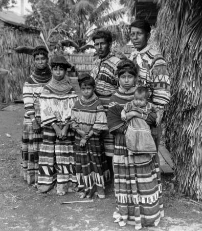 Native Languages of the Americas: Native American Cultures